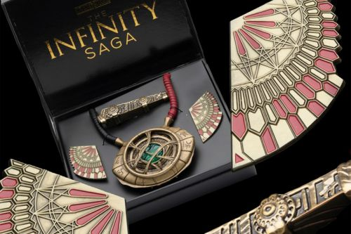 Zavvi Launches Official Limited Edition Doctor Strange Collectible Set