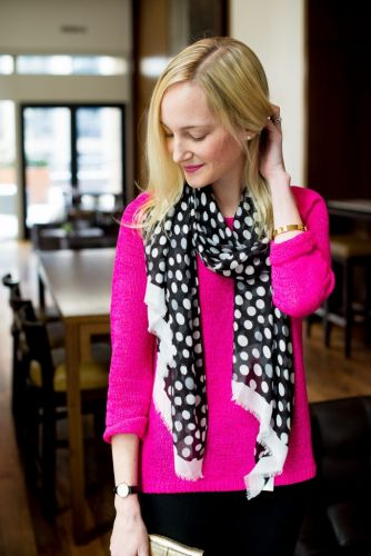 Best Black and White Polka Dots Scarf Influencer-Inspired Outfits