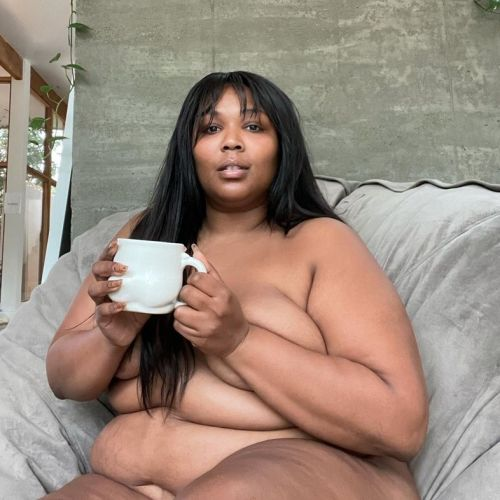 Lizzo's unedited nude is exactly what social media needs right now