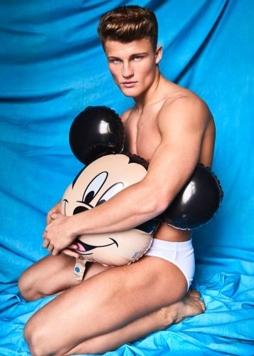 Zach Hartman Poses for New Photos, Talks Experience Modeling