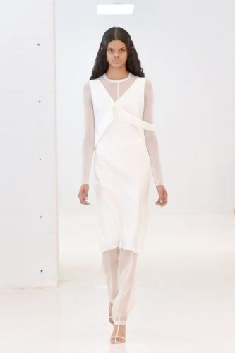 Who is Dahely, the Brooklyn girl who debuted front of line at Helmut Lang?