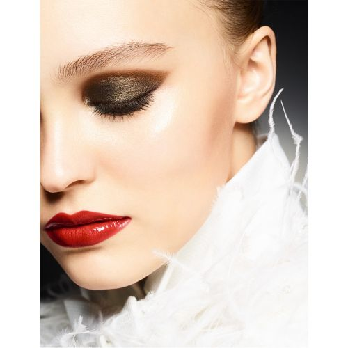Chanel Launch Their Holiday Make-Up Line, Maximalisme De Chanel