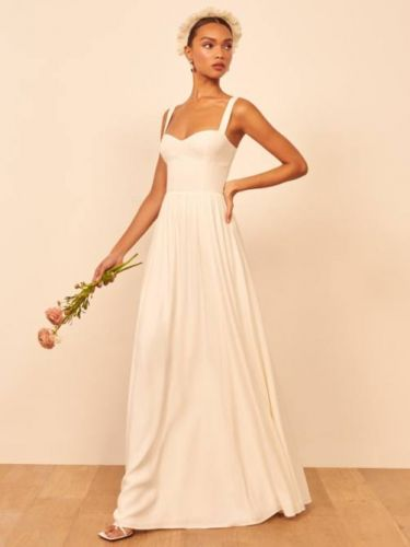 19 Simple, Elegant Wedding Dresses For The Non-Traditional Bride