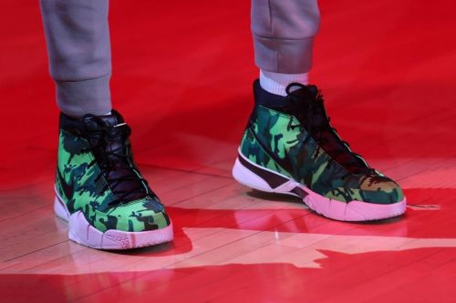 "Giannis Antetokounmpo Spotted Sporting a Bright Green UNDEFEATED x Nike Kobe 1 ""Protro"""