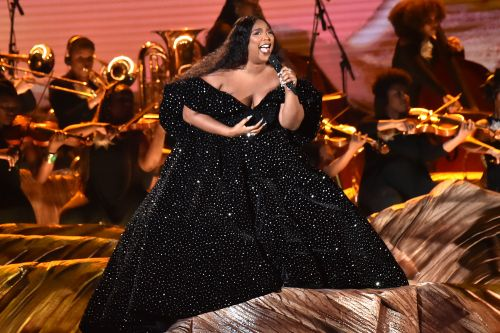 Lizzo, Alicia Keys open Grammys 2020 with Kobe Bryant tribute