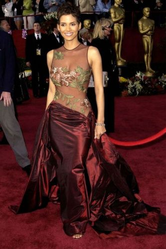 57 of the Best Oscar Dresses of All TimeLooking back on the most
