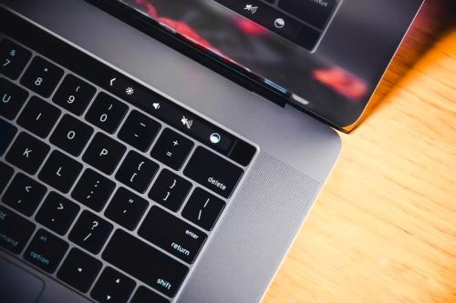 Apple Might Release a 14-inch MacBook Pro in May 2020