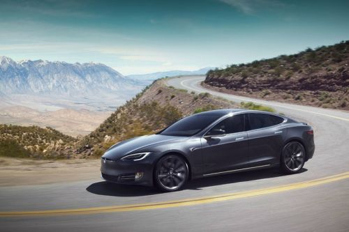 Tesla Accused of Illegally Reselling Damaged Cars