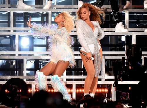 Beyoncé Turns On Hair Fan During Coachella Weekend 2 Performance