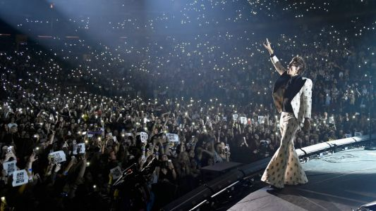 Bell Bottoms and a Secret Message: Harry Styles Went Big for Night 1 at Madison Square Garden