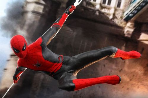 Hot Toys Unveils Spider-Man in his Flagship 'Far From Home' Suit