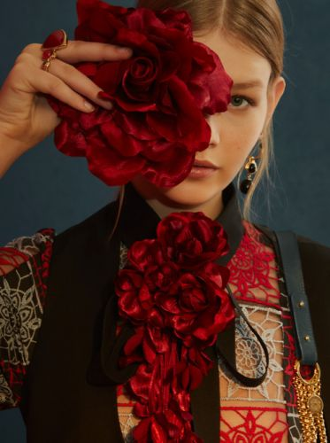 Floral BloomsELIE SAAB Pre-Fall 2018 WestboundDetour