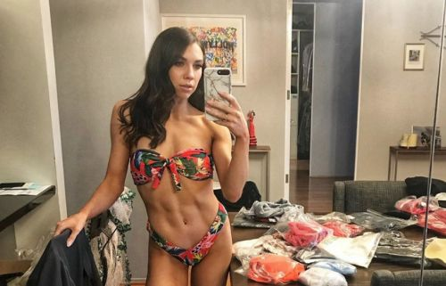 'Dancing With the Stars' Pro Jenna Johnson Shares a Bikini Selfie. and Yep, We're Going to the Gym
