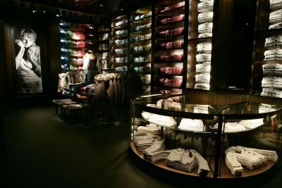 Abercrombie & Fitch Reports First Quarter Loss of Around $62 Million USD