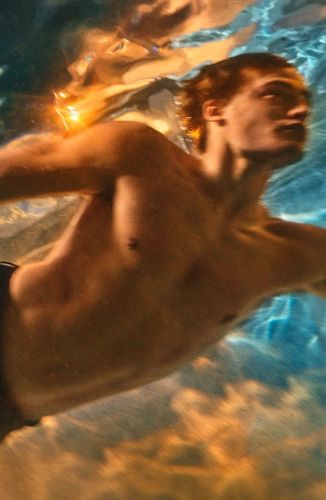 Parker Takes a Dive for Tom Ford Costa Azzurra Campaign