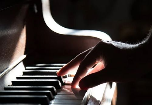 The 6 Easiest Instruments to Learn for Aspiring Musicians