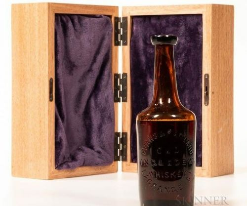 The World's Oldest Bourbon Sold for US$137,000