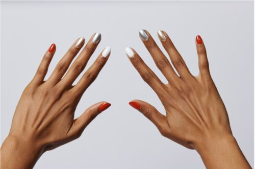 I'm Already Getting Handsy With These Expert-Approved Holiday Nail Trends