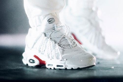"""Drake Spotted in Another """"Stage Use"""" Nike Air Max Plus Colorway"""