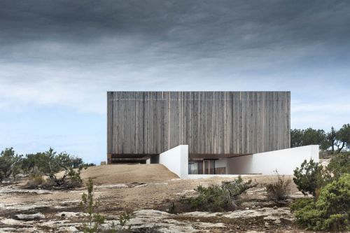 This Grand Home in Spain Is an Idyllic Island Getaway