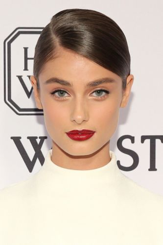 The20 Best Celebrity Lips of 2015From Kylie's nude to