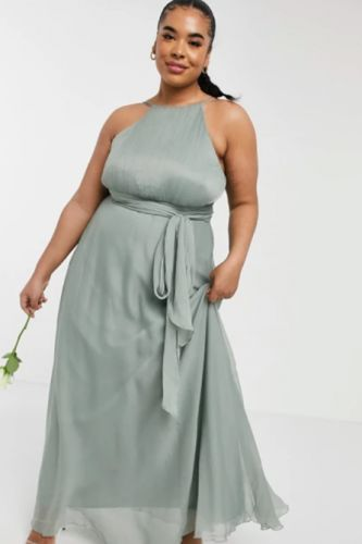 9 Plus-Size Bridesmaid Dresses That Will Make You Look As Hot as the Bride