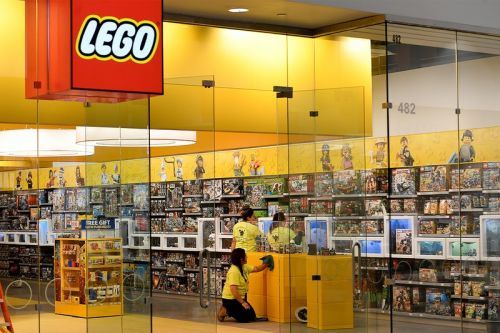 French Police are Hunting Down an International Group of LEGO Thieves