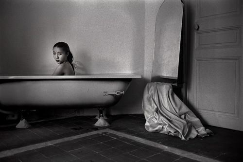 Decades of Photographing Women Below the Surface of Chinese Society