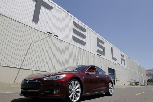 Tesla Sues Ex-Employee Over Stolen Data & Sabotage