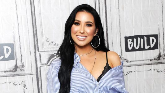 It's Happening! Beauty Guru Jaclyn Hill Announces the Launch of Her Own Cosmetics Line