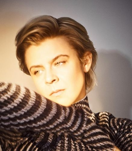 Watch Robyn's 'Send to Robyn Immediately' video, immediately