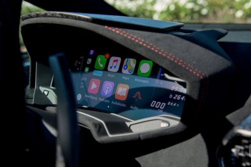 Apple's Hires Ex-Tesla Engineer for Self-Driving Car Project