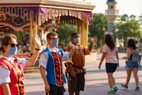 "Disney Theme Parks Will Finally Allow Employees To Have Tattoos and ""Gender Inclusive"" Hairstyles"