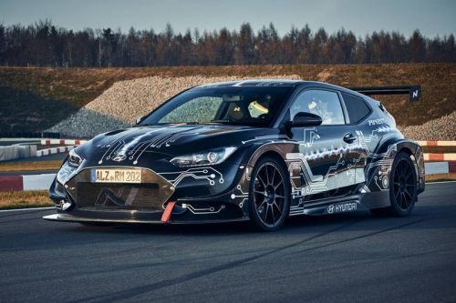 Hyundai Develops 810 HP Electrified RM20e Racing Midship Sports Car