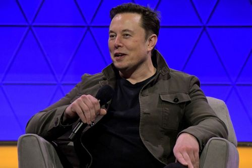 Elon Musk Wants to Connect Your Brain Directly to the Internet by 2020