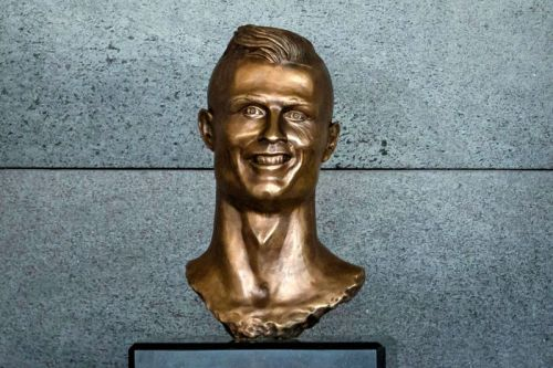 """Madeira Airport Replaces """"Grotesque"""" Ronaldo Bust After Family Request"""
