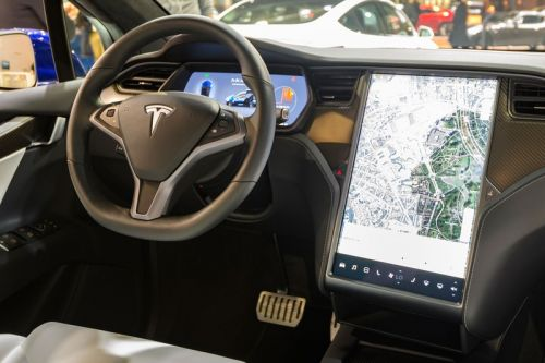New Report Claims Teslas Can Be 'Easily Tricked' Into Driving on Autopilot Without a Driver