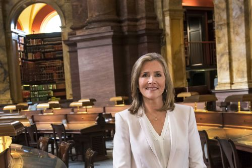Meredith Vieira may have to read from '50 Shades of Grey' on PBS