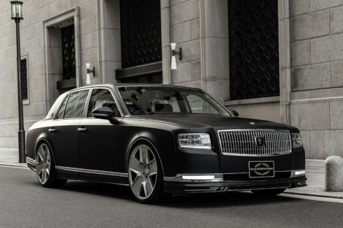 WALD Makes the Toyota Century Even More Imposing