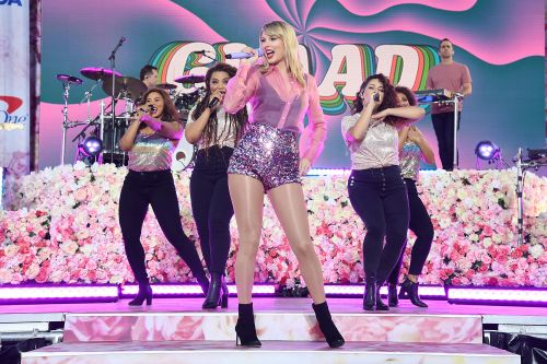 Taylor Swift's Central Park concert whipped 'Calm' fans into frenzy