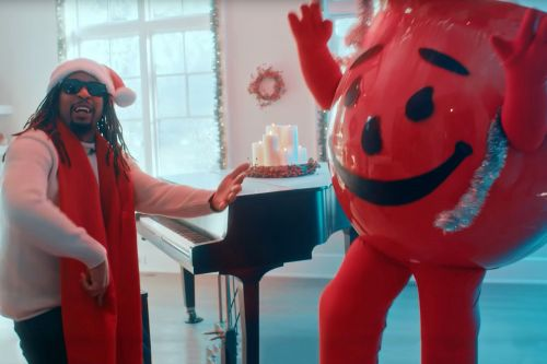 Lil Jon, Kool-Aid Man sing 'All I really want for Christmas,' Twitter drinks it up