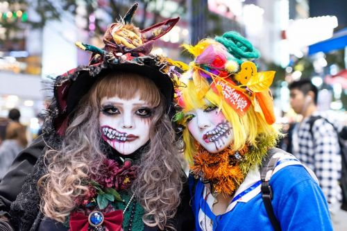 Japanese Subcultures You've Never Heard of: Guro Lolita & Yami Kawaii