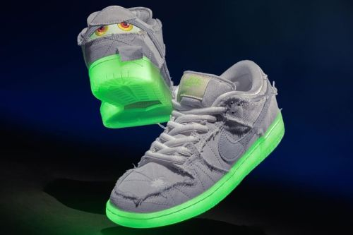 """Unboxing: The Nike SB Dunk Low """"Mummy"""" Gets Unwrapped"""