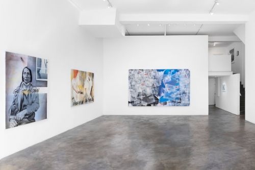 """Lee Quiñones Highlights George Floyd Murder in Conceptual """"Black and Blue"""" Exhibition"""