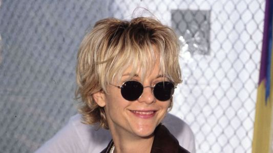 Great Outfits in Fashion History : Meg Ryan's Overgrown '90s Bangs
