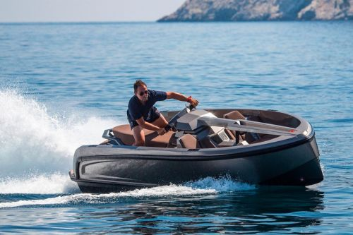 The Vanqraft VQ16 Is a Luxury Boat-Sized Jet Ski