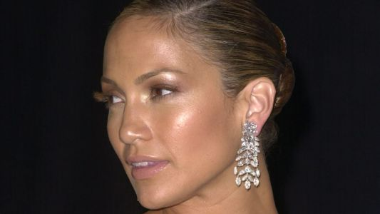 Great Outfits in Fashion History : Jennifer Lopez's Early-Aughts Glow