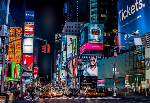 How Digital Signage Changes the Way, You Communicate With Your Clients