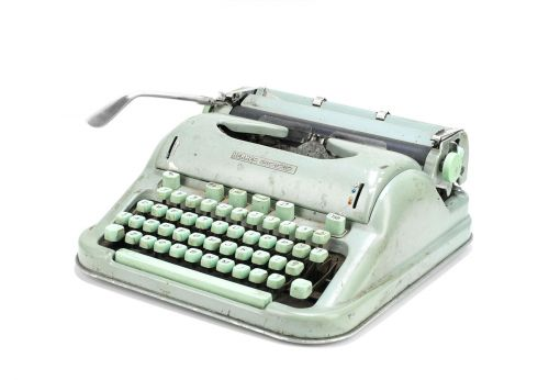 Sylvia Plath's Items Auctioned- Including Hermès Typewriter