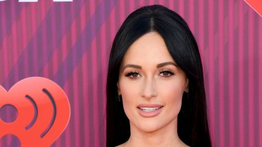 Kacey Musgraves Stuns in a Funky Green Dress at the iHeartRadio Awards